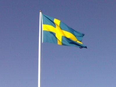 Nu är lillen här - det flaggar vi för!