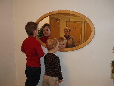 pojkarna i spegeln ...