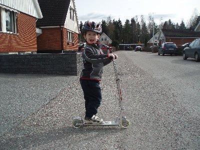 Jonatan på cykeltur ...