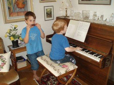 munspel och piano ...